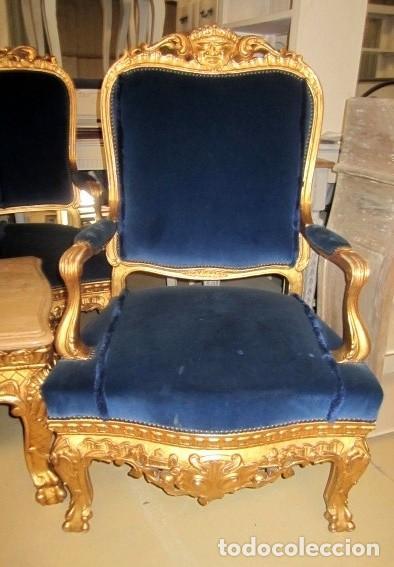 Antigüedades: Sofa sillones y mesa antiguos de madera tallada y dorada, tapizados en terciopelo azul - Foto 15 - 266076773