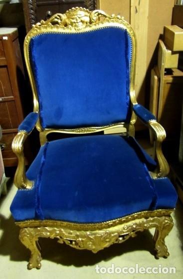 Antigüedades: Sofa sillones y mesa antiguos de madera tallada y dorada, tapizados en terciopelo azul - Foto 20 - 266076773