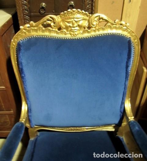 Antigüedades: Sofa sillones y mesa antiguos de madera tallada y dorada, tapizados en terciopelo azul - Foto 21 - 266076773