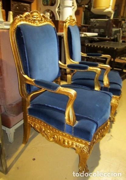 Antigüedades: Sofa sillones y mesa antiguos de madera tallada y dorada, tapizados en terciopelo azul - Foto 29 - 266076773