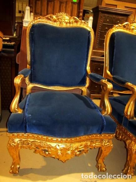 Antigüedades: Sofa sillones y mesa antiguos de madera tallada y dorada, tapizados en terciopelo azul - Foto 30 - 266076773