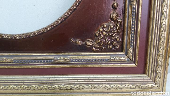 Antigüedades: PRECIOSO MARCO DE MADERA GRANATE Y DORADO. ESTILO ISABELINO - Foto 5 - 266155723