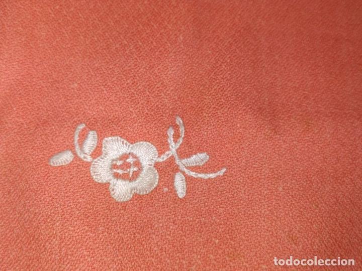 Antigüedades: GRAN MANTEL. 250X157.CREPE DE ALGODÓN BORDADO A MANO. SIN USO. ESPAÑA. CIRCA 1950 - Foto 12 - 266655408