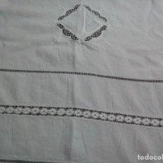 Antigüedades: * SABANA DE LINO BORDADA A MANO 2,15M (RF:LL-80/I). Lote 266881359