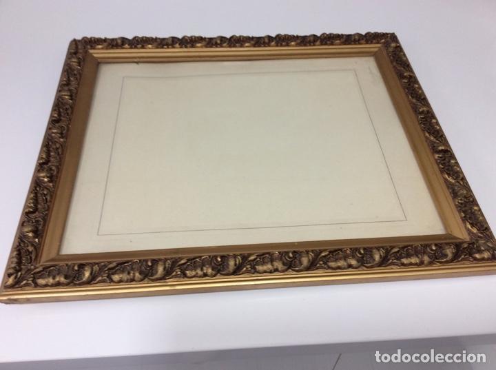 Antigüedades: Impresionante y antiguo marco de madera tallada y dorada para fofografia/espejo. - Foto 11 - 266909754