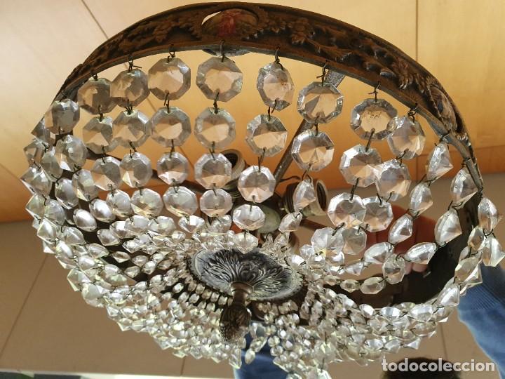 Antigüedades: LAMPARA PLAFON DE BRONCE CON MEDALLONES Y LÁGRIMAS DE CRISTAL - Foto 3 - 266934594