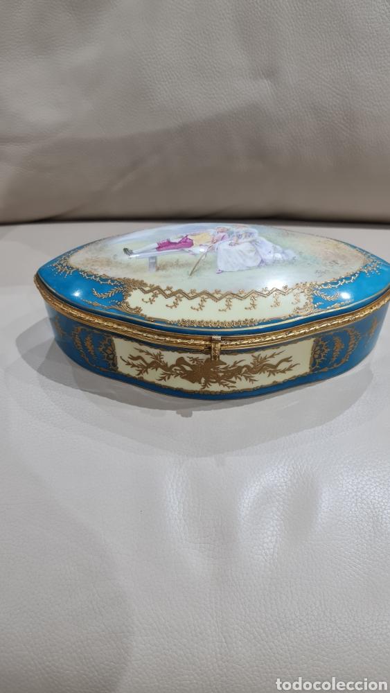 JOYERO DE PORCELANA DE LA MANUFACTURA SEVRES, SIGLO XIX (Antigüedades - Porcelana y Cerámica - Francesa - Limoges)