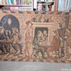 Antigüedades: ENORME TAPIZ CON ESCENA DE JUGADORES DE CARTAS EN LA TABERNA. 205X121CM. Lote 267077019
