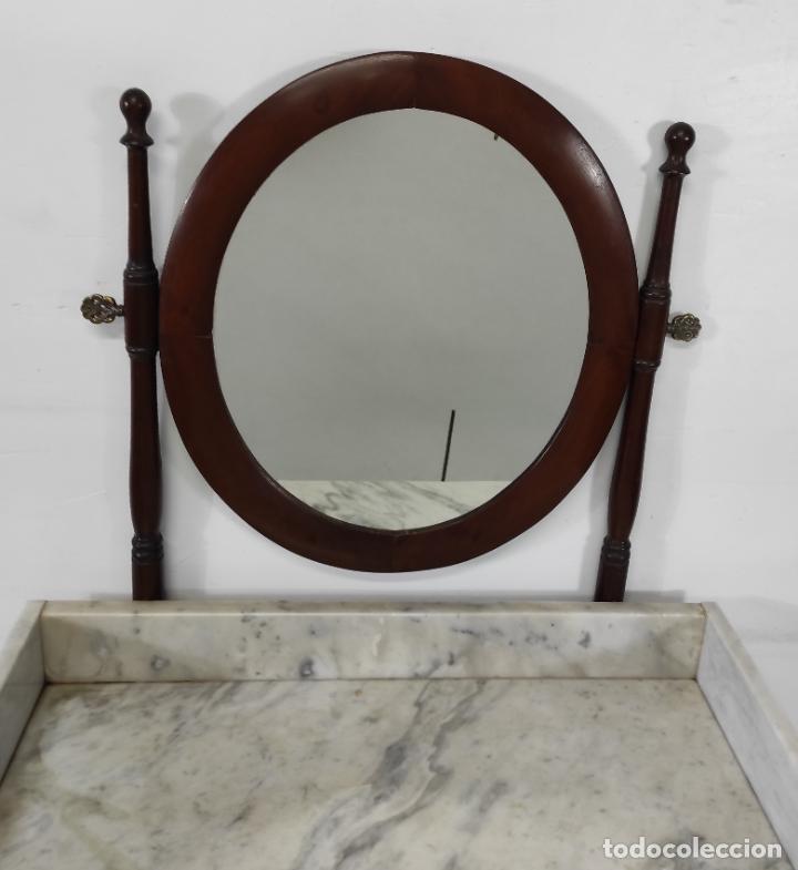 Antigüedades: Antiguo Tocador Isabelino - Madera de Caoba - Mármol de Carrara - Espejo Ovalado - S. XIX - Foto 3 - 267165619
