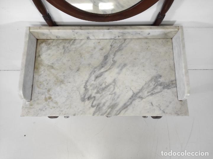 Antigüedades: Antiguo Tocador Isabelino - Madera de Caoba - Mármol de Carrara - Espejo Ovalado - S. XIX - Foto 4 - 267165619