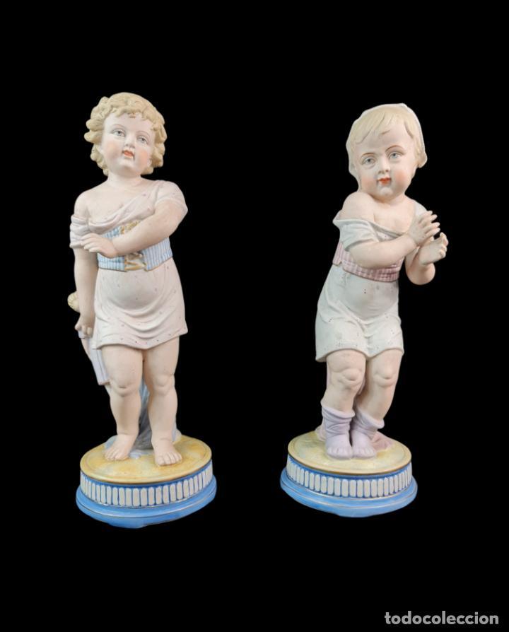 GRAN PAREJA DE FIGURAS, PORCELANA BISCUIT. NIÑOS. THURINGIA CA 1900. LARGE PAIR OF BISQUE FIGURINES (Antigüedades - Porcelana y Cerámica - Alemana - Meissen)
