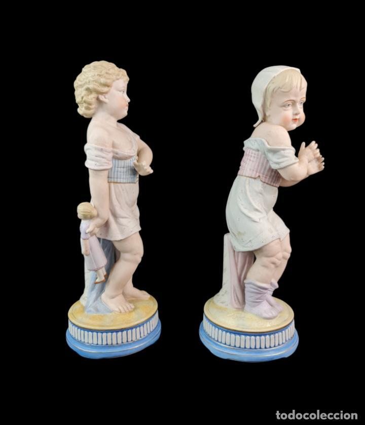 Antigüedades: Gran pareja de figuras, porcelana biscuit. Niños. Thuringia ca 1900. Large pair of bisque figurines - Foto 3 - 267177909