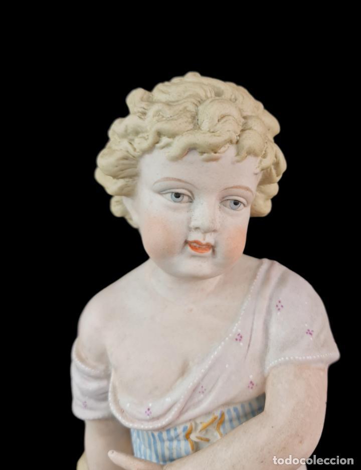 Antigüedades: Gran pareja de figuras, porcelana biscuit. Niños. Thuringia ca 1900. Large pair of bisque figurines - Foto 5 - 267177909