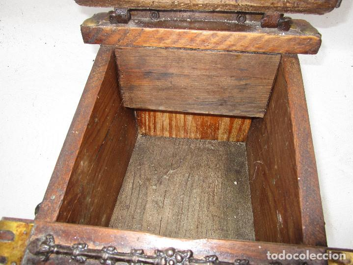 Antigüedades: FANTASTICO ANTIGUO LIMOSNERO DE IGLESIA NOBLE MADERA HERRAJES CIRCA 1870 - Foto 5 - 267281954