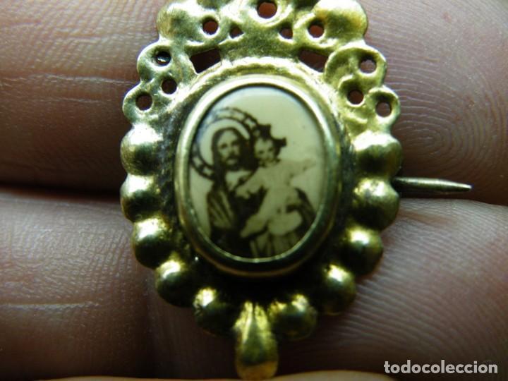 Antigüedades: Pareja Medallas-Aguja-Devocionarias-Años 40 Sagrado Corazón Niño-Dolorosa 7 puña. (elcofredelabuelo) - Foto 2 - 267416109