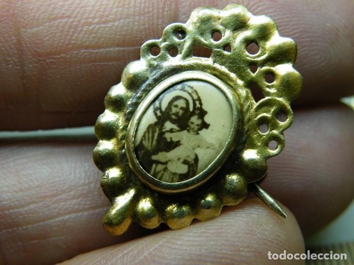 Antigüedades: Pareja Medallas-Aguja-Devocionarias-Años 40 Sagrado Corazón Niño-Dolorosa 7 puña. (elcofredelabuelo) - Foto 3 - 267416109