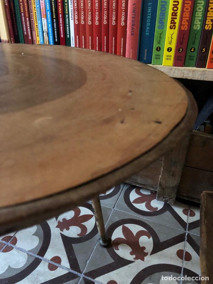 Antigüedades: Mesa auxiliar antigua de madera y hierro - Foto 3 - 267461329