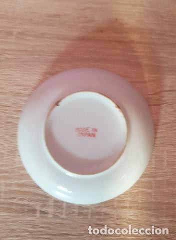 Antigüedades: Plato de porcelana fina pintado a mano de Japón - Foto 3 - 267520734