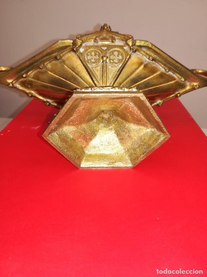 Antigüedades: PRECIOSA NAVETA NEOGOTICA CON CUCHARA. BRONCE DORADO. FINALES SIGLO XIX - Foto 11 - 267532394