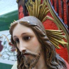 Antiguidades: GRAN IMAGEN RELIGIOSA 70 CM. SAGRADO CORAZÓN DE JESÚS. OLOT - HIJO DE R. HOSTENCH QUINTANA. Lote 267543729