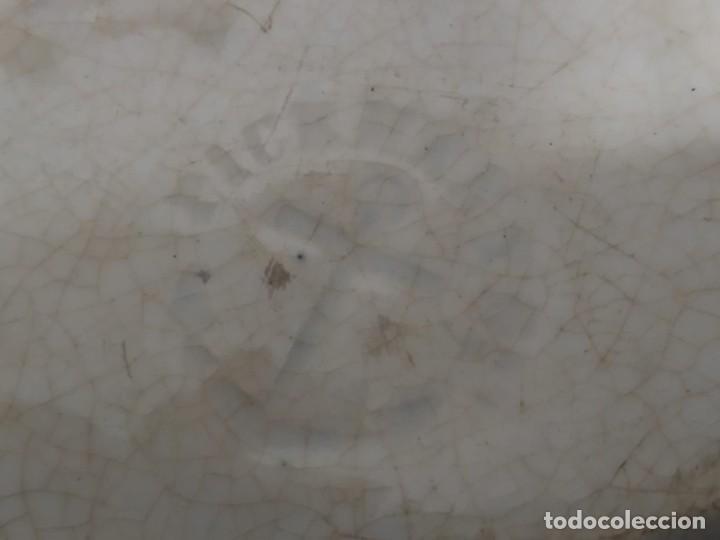 Antigüedades: Preciosa fuente PICKMAN, Cartuja de Sevilla, de 35 centímetros, vista en tinta negra, sello de 1841. - Foto 3 - 215748997