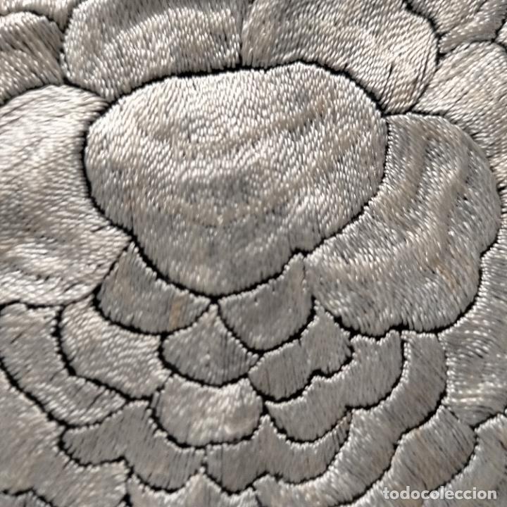 Antigüedades: manton flamenca manila negro raso y bordado blanco , medida central 110 cm reja y flecos 45 cm - Foto 14 - 267590794