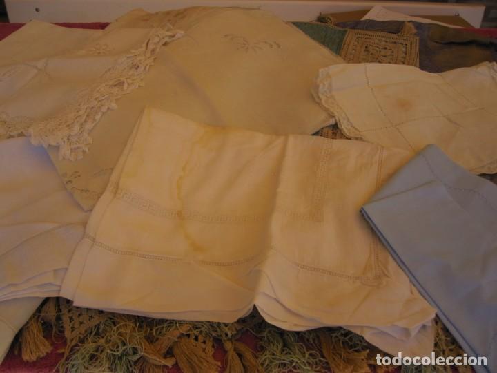 LOTE DE NUEVE PIEZAS DE MANTELES Y OTROS (Antigüedades - Hogar y Decoración - Manteles Antiguos)