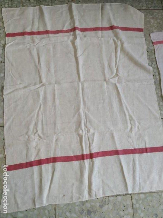 Antigüedades: Lote 4 antiguos paños de cocina toallas. Hilo. Iniciales bordadas. Diferentes tamaños - Foto 4 - 267757379