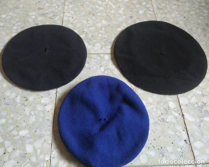 LOTE 3 ANTIGUAS BOINAS DISTINTOS DIÁMETRO. 1 AZUL Y DOS NEGRAS. (Antigüedades - Moda - Sombreros Antiguos)