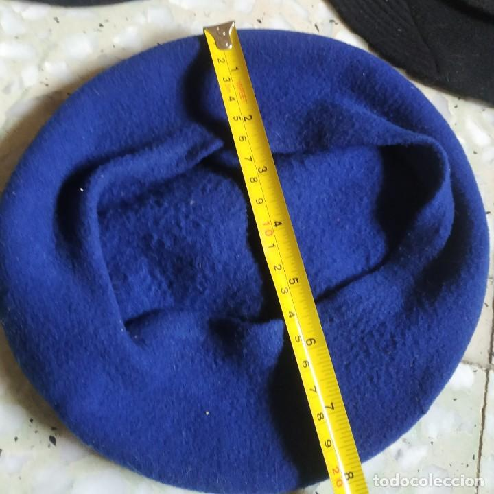 Antigüedades: Lote 3 antiguas boinas distintos diámetro. 1 azul y dos negras. - Foto 12 - 267809219