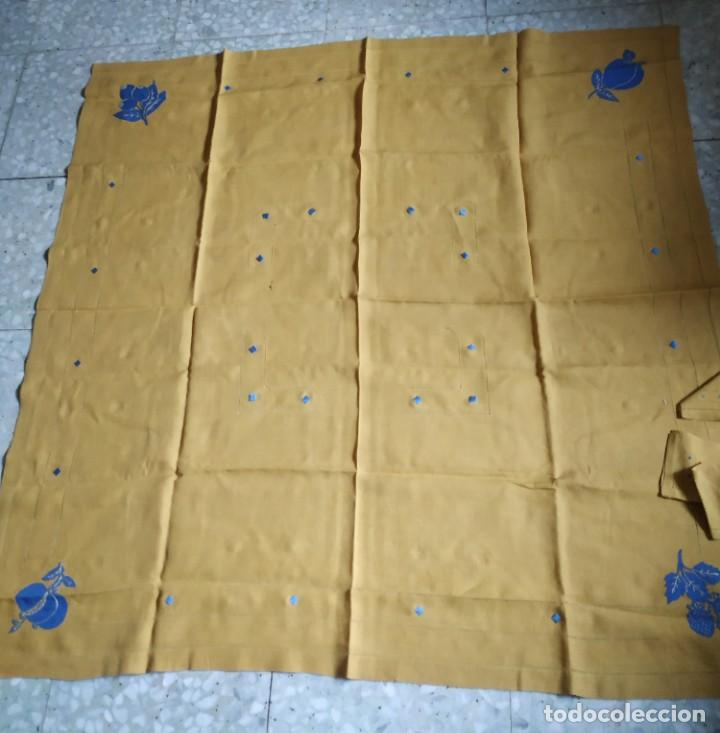 Antigüedades: Precioso mantel antiguo con vainicas y bordados. 6 servilletas. 110 x 108 cm. - Foto 2 - 267816249
