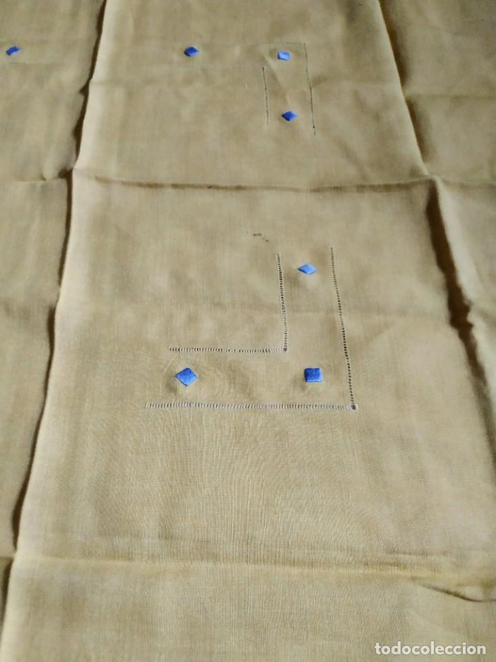 Antigüedades: Precioso mantel antiguo con vainicas y bordados. 6 servilletas. 110 x 108 cm. - Foto 4 - 267816249