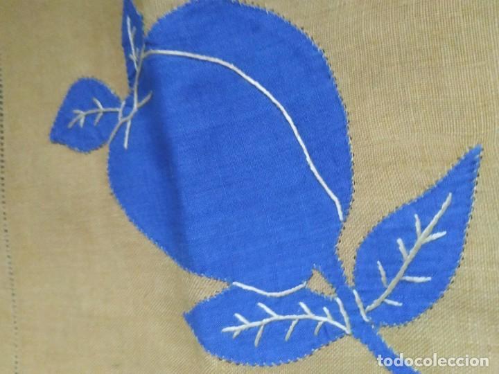 Antigüedades: Precioso mantel antiguo con vainicas y bordados. 6 servilletas. 110 x 108 cm. - Foto 8 - 267816249