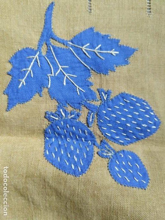 Antigüedades: Precioso mantel antiguo con vainicas y bordados. 6 servilletas. 110 x 108 cm. - Foto 9 - 267816249