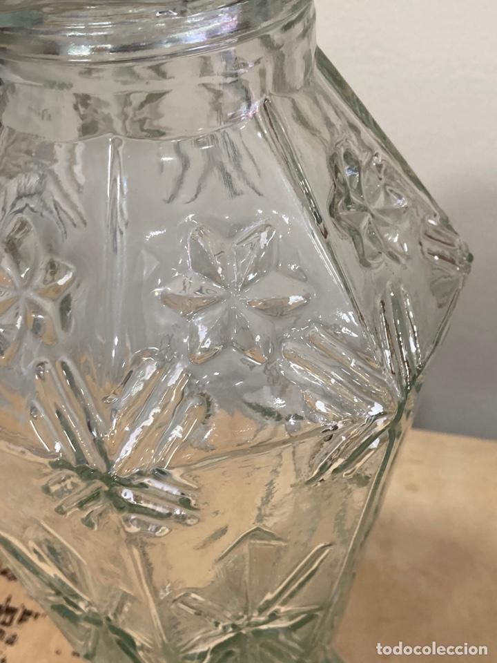 Antigüedades: Precioso bote antiguo de cristal de farmacia - Foto 2 - 267895669