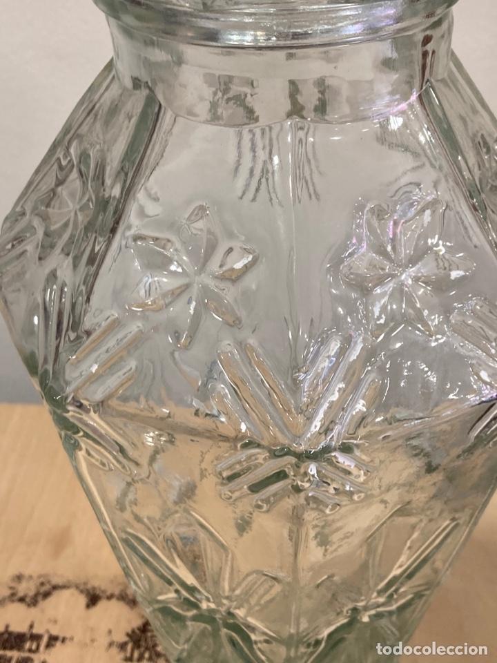 Antigüedades: Precioso bote antiguo de cristal de farmacia - Foto 3 - 267895669