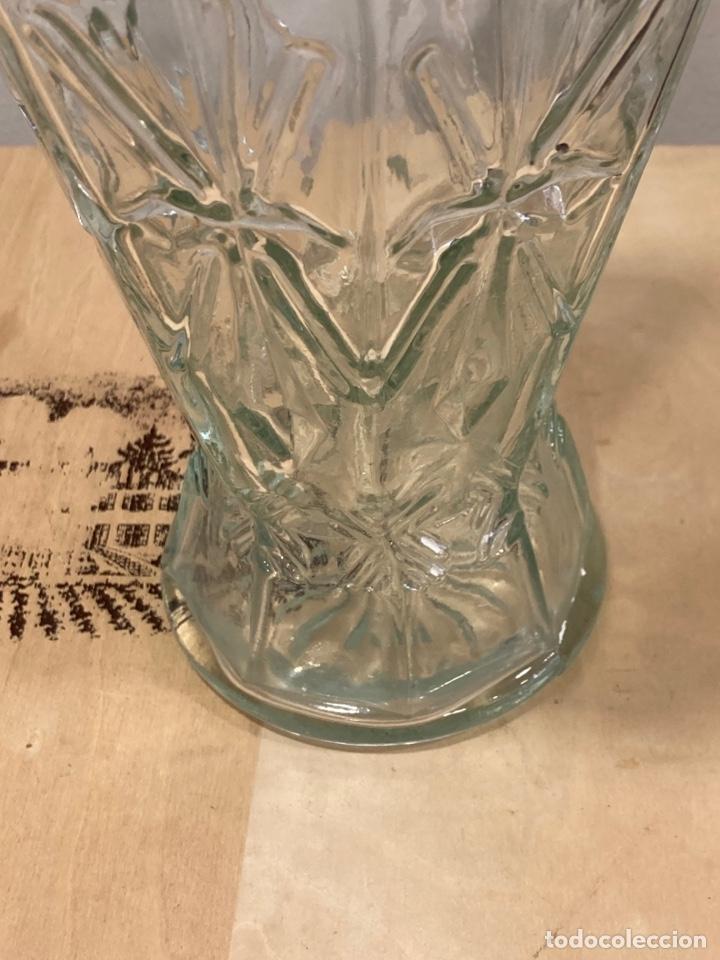 Antigüedades: Precioso bote antiguo de cristal de farmacia - Foto 5 - 267895669