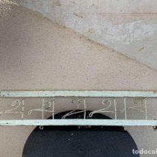 Antigüedades: COLGADOR BARRA CORTINA PERCHERO PARA PUERTA O PARED FIN S XIX 74X13CMS. Lote 267983524
