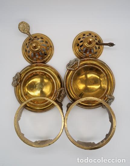 Antigüedades: DOS QUEMADORES INCENSARIOS BRONCE LATON - Foto 4 - 268039424