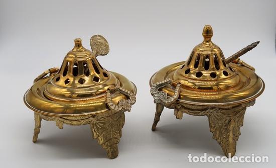 Antigüedades: DOS QUEMADORES INCENSARIOS BRONCE LATON - Foto 5 - 268039424