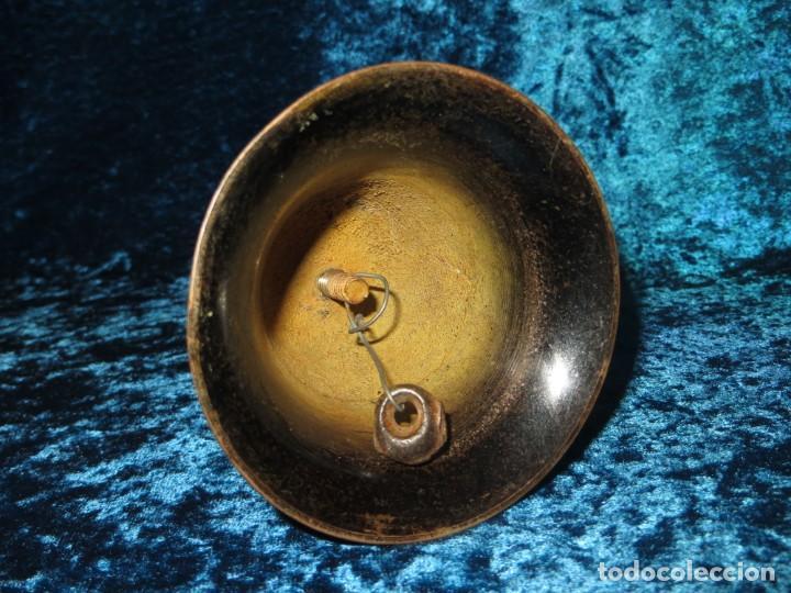 Antigüedades: Antigua campana antropomorfa roja cuerpo de mujer bailarina hierro diseño - Foto 28 - 268040089