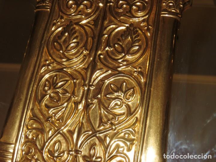 Antigüedades: Antiguo espejo árabe arcos trébol trilobulado dorado metal repujado Mezquita Córdoba - Foto 22 - 268040494