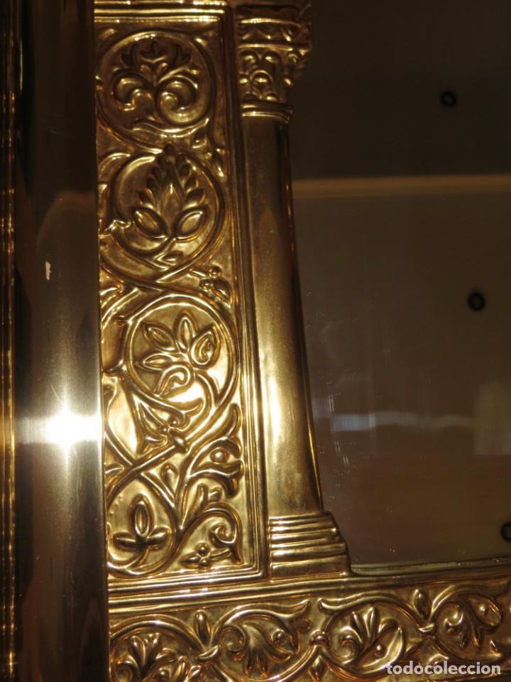 Antigüedades: Antiguo espejo árabe arcos trébol trilobulado dorado metal repujado Mezquita Córdoba - Foto 35 - 268040494