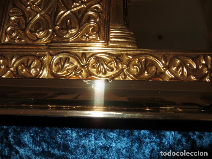 Antigüedades: Antiguo espejo árabe arcos trébol trilobulado dorado metal repujado Mezquita Córdoba - Foto 37 - 268040494