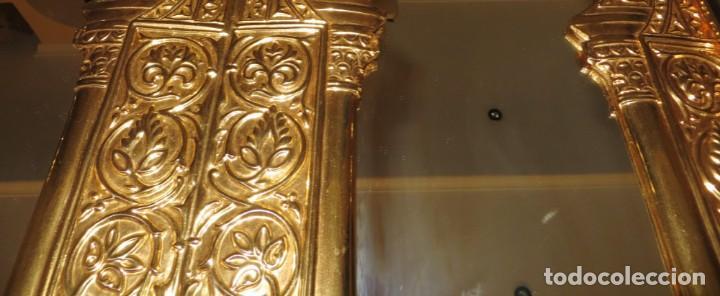 Antigüedades: Antiguo espejo árabe arcos trébol trilobulado dorado metal repujado Mezquita Córdoba - Foto 42 - 268040494