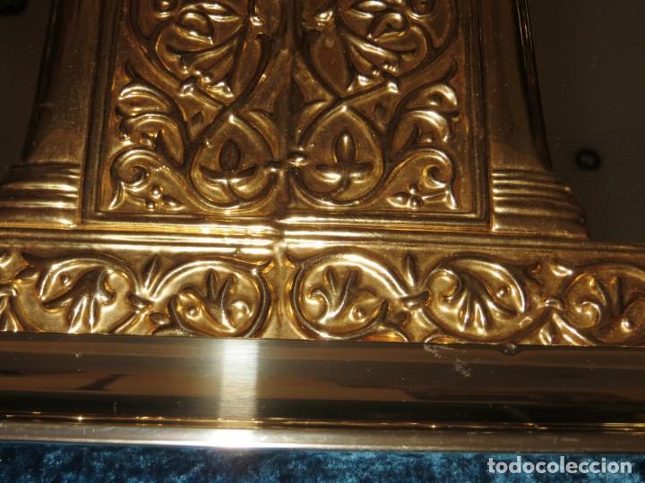Antigüedades: Antiguo espejo árabe arcos trébol trilobulado dorado metal repujado Mezquita Córdoba - Foto 48 - 268040494
