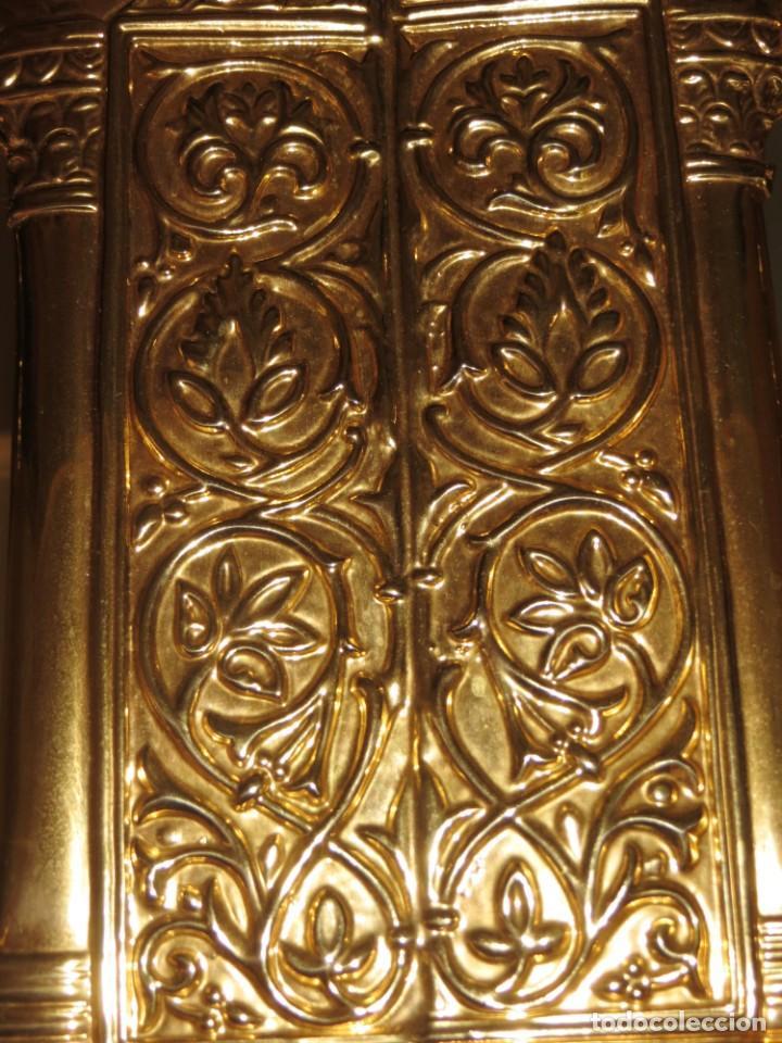 Antigüedades: Antiguo espejo árabe arcos trébol trilobulado dorado metal repujado Mezquita Córdoba - Foto 50 - 268040494