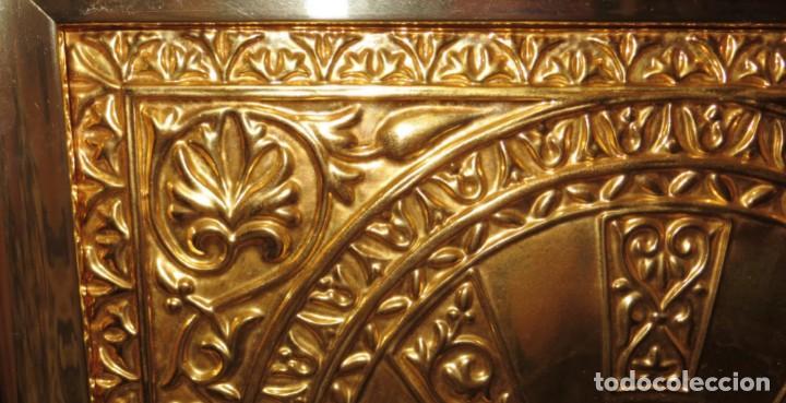 Antigüedades: Antiguo espejo árabe arcos trébol trilobulado dorado metal repujado Mezquita Córdoba - Foto 53 - 268040494