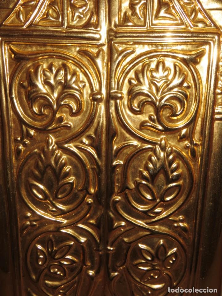 Antigüedades: Antiguo espejo árabe arcos trébol trilobulado dorado metal repujado Mezquita Córdoba - Foto 56 - 268040494