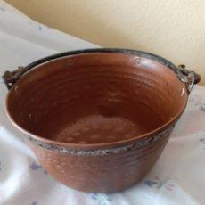 Antigüedades: ANTIGUO CALDERO COBRE 26CM BOCA PORTUGAL SOBRE 1930-1940 ENVÍO INCLUIDO PRECIO. Lote 268123659